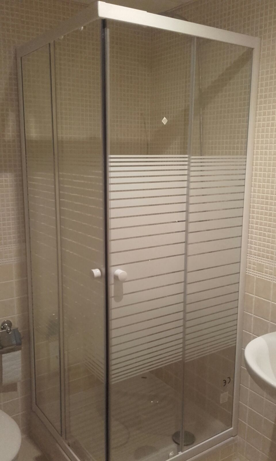 Montaje de Mampara baño